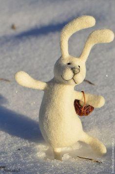 Купить Игрушка Заяц с корзинкой - белый, заяц, заяц игрушка, игрушка белый заяц, Снег