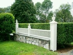 8 Amazing Tips Can Change Your Life: Stone Fence Modern fence design urban.Living Fence For Livestock behr fence stain. Brick Fence, Stone Fence, Front Yard Fence, Dog Fence, Farm Fence, Fence Gate, Fenced In Yard, Horse Fence, Fence Stain