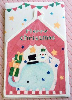 クリスマスのメッセージカードです。ゾウと文鳥がプレゼントを運んでいます。 水彩で描いたイラストをカードに印刷しました。裏面(無地)にメッセージが書き込めます。...|ハンドメイド、手作り、手仕事品の通販・販売・購入ならCreema。