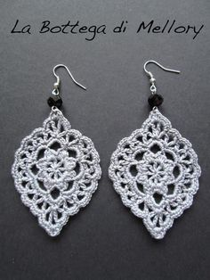 Best Ideas for crochet lace earrings beads Crochet Earrings Pattern, Crochet Jewelry Patterns, Crochet Accessories, Crochet Motif, Crochet Flowers, Crochet Lace, Crochet Necklace, Crochet Jewellery, Lace Jewelry