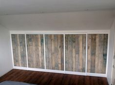 ... garderobekast onder schuin dak zolder sloophout deuren white-wash 04