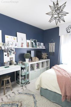 art and crafting area in pre-teen or teenage room Bedroom makeover Cheap ways to decorate a teenage girl's bedroom Blue Girls Rooms, Blue Teen Girl Bedroom, Preteen Bedroom, Teen Girl Bedding, Preteen Girls Rooms, Teenage Girl Bedrooms, Small Teenage Bedroom, Teenage Girl Room Decor, Rooms For Teenage Girl