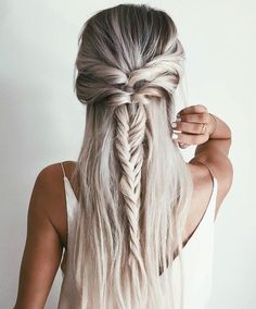 perfectly unique half up hair | hairstyle, fishtail braid, loops, straight hair, blonde hair, blond, bayalage, balayage, dark roots, hairstyle, hair inspiration, everyday, bayalage, balayage, easy, diy ideas, casual, minimalist, minimalism, minimal, simplistic, simple, modern, contemporary, classic, classy, chic, girly, fun, clean aesthetic, bright, white, pursue pretty, style, neutral color palette, inspiration, inspirational, diy ideas, fresh, stylish,