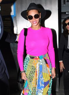 Beyonce Knowles Photos - Singer Beyonce stepped out in New York City, New York on March 29, 2012 wearing a bright pink shirt with a graphic multicolor skirt and a smile. - Beyonce Brightens Up New York