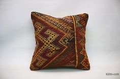 Decorative hand woven pillow cover made of years old Turkish kilim fragments backed with cotton cloth. Kilim Pillows, Cushions, Throw Pillows, Vintage Wool, Vintage Rugs, Geometric Pillow, Decorative Pillows, Hand Weaving, Pillow Covers