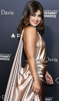 Priyanka Chopra Looks Ravishing As She Gears Up For Pre-Grammys Party - HungryBoo Bollywood Images, Bollywood Actress Hot Photos, Actress Pics, Beautiful Bollywood Actress, Most Beautiful Indian Actress, Aishwarya Rai Makeup, Glam Photoshoot, Full Figure Dress, Priyanka Chopra Hot