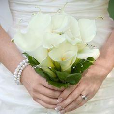 Mini calla lilies wedding bouquets | Wedding Flowers