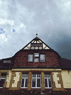 http://www.eyeem.com/p/43606665 #clouds #sky #stramamax #architecture #mosel #bernkastel