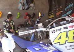 VÍDEO: Valentino Rossi VS Guy Martinhttp://www.motorcyclesports.pt/video-valentino-rossi-vs-guy-martin/