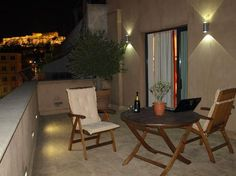 OandB Athens Boutique Hotel: Night View We stayed at this exquisite hotel while in Athens - a small treasure!