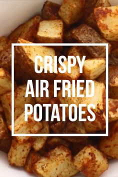 Crispy Air Fried Potatoes These air fryer potatoes are not only healthy and delicious but also so easy to make! They are perfectly crispy in 15 minutes. Its the perfect and paleo comfort food! Air Fryer Oven Recipes, Air Frier Recipes, Air Fryer Dinner Recipes, Recipes Dinner, Air Fryer Recipes Videos, Deep Fryer Recipes, Air Fryer Recipes Potatoes, Air Fryer Recipes Breakfast, Holiday Recipes