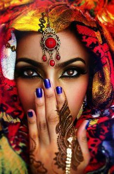 Soma Sengupta Indian Wedding Makeup- Those Sparkling Eyes! - Soma Sengupta Indian Wedding Makeup- Those Sparkling Eyes! Beautiful Eyes, Beautiful People, Indian Wedding Makeup, Arabic Makeup, Sparkling Eyes, Arabian Beauty, Exotic Beauties, African Beauty, Jewel Tones