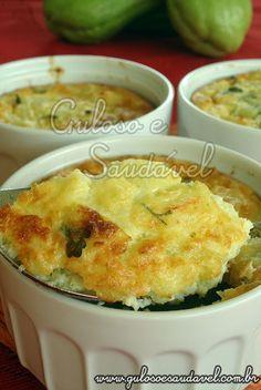 Bora preparar Suflê de Chuchu para o #almoço? Para os apressados é uma ótima opção, é delicioso e leve! Com 30 minutinhos fica pronto!  #Receita aqui: http://www.gulosoesaudavel.com.br/2012/02/01/sufle-chuchu/