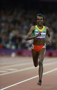 Ethiopia's Tirunesh Dibaba winning gold in10,000m
