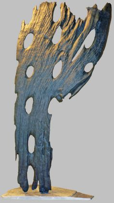 """""""Profil bas"""". Epave, bois flotté, wreck, driftwood, schwemmholz, cire, wax, 2013. Le blog de boisflottesdeloire - Sculptures naturelles - Yann Viau"""
