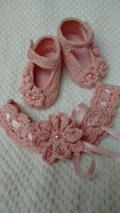 Crochet Baby Sandals, Booties Crochet, Baby Girl Crochet, Crochet Baby Clothes, Baby Knitting Patterns, Crochet Patterns, Crochet Baby Costumes, Diy Crafts Crochet, Rainbow Crochet