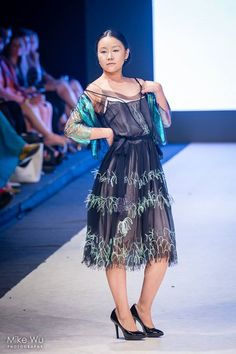 Design by Simon Barth Couture  Photo by Mike Wu Photography