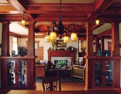Arts & crafts style bungalow living room