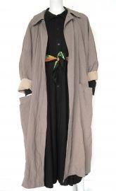 http://www.rewindplayfastforward.nl  De webshop voor tweedehands designerkleding en vintage!