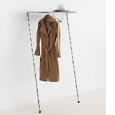 Floating wardrobe from MOX. The perfect place to store your #jackets in a aesthetic way - Die schwebende Garderobe von MOX. Der perfekte Ort um Kleidungsstücke ästhetisch zu verstauen. | bestswiss.ch
