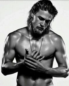 Charlie Hunnam ~ Jax Teller ~ Sons of Anarchy.okay I'm tryng to warm up to him as Christian Grey.I think I'll be okay. Christian Grey, Gorgeous Men, Beautiful People, Pretty People, Pretty Men, Hello Beautiful, Beautiful Body, Man Candy Monday, Black Dagger Brotherhood