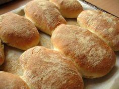 Ciabatta iz mini pekare - Recepti za hleb iz mini pekare Homemade Ciabatta Bread, Breakfast Crepes, Serbian Recipes, Dessert, Hot Dog Buns, Food And Drink, Cooking, Pains, Kuchen