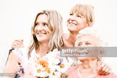 165663488-three-generation-of-women-gettyimages.jpg (507×338)
