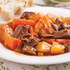 Beef stew with greens - Recipes - Cooking and diet .- Beef stew with greens – Recipes – Cooking and diet – Pratico Pratique - Slow Cooker Recipes, Beef Recipes, Cooking Recipes, Healthy Recipes, Confort Food, Food Porn, How To Cook Beef, My Best Recipe, Greens Recipe