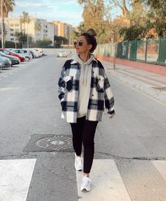 how to pair outfits Trendy Fall Outfits, Casual School Outfits, Cute Comfy Outfits, Casual Winter Outfits, Winter Fashion Outfits, Retro Outfits, Simple Outfits, Look Fashion, Zara Fashion