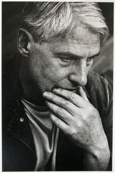 Willem De Kooning (1904-1997) - Dutch-American abstract expressionist artist. Photo © Dan Budnik, NY 196