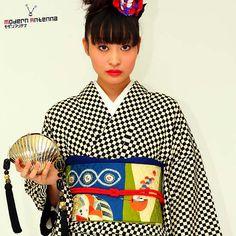 Strawberry Kimono - kimono-daisuki:   taishou-kun:   Kimono with...