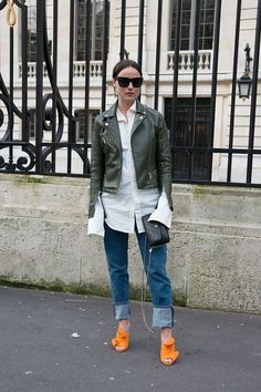 Street Style: 31 Easy, Chic Ways to Wear Jeans and a Leather Jacket: Creative Work Outfit