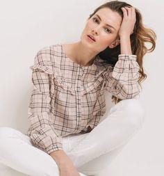 Blusa de cuadros Tartan Fashion, Abaya Fashion, Fashion Outfits, Mode Tartan, Vip Dress, Blouse Models, Fashion Details, Fashion Design, Style Casual