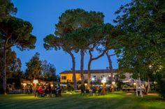 #9 Casali Santa Brigida Nei pressi del Lago di Bracciano, questa location offre un mix romantico tra chic e rustico. L'ambiente bucolico la rende ancora più particolare