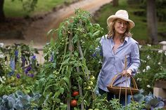 Meryl Streep in the lucious garden in the movie - It's Complicated -