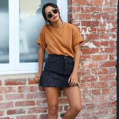 trendy fall outfits that you need as soon as possible .- Trendige Herbst-Outfits, die Sie so schnell wie möglich ausprobieren könne… trendy fall outfits to try as soon as possible out - Trendy Fall Outfits, Casual Summer Outfits, Autumn Outfits, Black Outfits, Casual Skirts, Casual Fall, Pantalon Slouchy, Mode Outfits, Fashion Outfits
