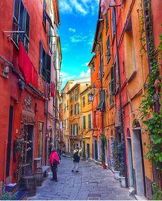 🇮🇹 Vicoli di #Portovenere #Liguria 🇮🇹 Photo by: @pinkines  ___ #italia #italy #igersitaly #italie #vscoitaly #italia365 #italien #italian #beautifuldestinations #europe #places_wow #ig_italy #italian_places #italiansdoitbetter #traveladdict #loves_europe #travelphotography #cityview #loves_landscape #ig_europe #europa #postcardsfromtheworld #wu_europe #europe_gallery #instaitalia #gf_italy #italian #igworldclub