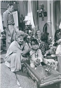 Henry Fonda and Lucille Ball YOURS, MINE AND OURS (1968)