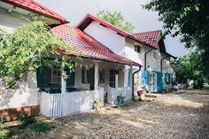 The Wedding House, căsuța perfectă pentru nunți de basm – Fabrika de Case    #WeddingHouse #porch #shutters #countryhome