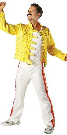 Lisensoitu Freddie Mercury asu standardikokoisena. Freddie Mercury (oikealta nimeltään Farrokh Bulsara, gudžaratiksi ફ્રારુક બુલ્સારા) (5. syyskuuta 1946 Stone Town Sansibar – 24. marraskuuta 1991 Lontoo) oli englantilaisen rockyhtye Queenin solisti. #naamiaismaailma