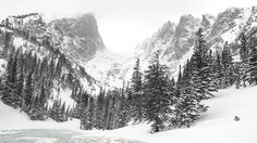 My camera malfunctioned because of the cold but I still got my photo of Hallets Peak [OC] [20481148] #reddit