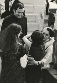 Indira Gandhi being welcomed by granddaughter Priyanka, son Rajiv and his wife Sonia Gandhi, 1982.