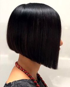 The bob is probably the haircut that can have most variations of finishes. Mark created this soft graduated bob with a slightly angled drop… Angled Bob Hairstyles, Short Bob Haircuts, Graduated Haircut, Graduated Bob With Fringe, Short Graduated Bob, Medium Hair Styles, Short Hair Styles, One Length Haircuts, Long Bob With Bangs