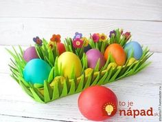 A cute alternative Easter basket idea Dyi Flowers, Felt Flowers, Easter Crafts, Crafts For Kids, New Kitchen Doors, Diy Ostern, Faberge Eggs, Handmade Tags, Egg Decorating