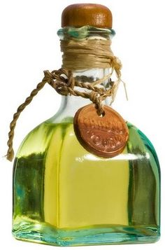 Olive oil should primarily be used in non-heated forms (dressings, etc), due to heat damaging the nutritional contents. If you're cooking with oil, use coconut oil or butter. Thinning Hair Remedies, Hair Loss Remedies, O Castor, Lose Fat, Lose Weight, Reduce Weight, Spanish Olive Oil, Olive Oil Bottles, Oil Pulling