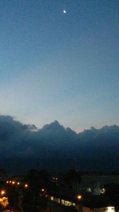 Foto tirada por Galaxy S5 mini by Isabela Alves (eu kkkkk ) #moonlight  #moon  #sky