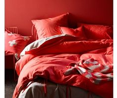 This gorgeous quilt cover was seen in The Block Fans Vs Faves upstairs bedroom. Maison in Neon Coral by Aura, available at Forty Winks Coral Bedding, Linen Bedding, Bed Linens, Bedding Sets, Queen Bed Quilts, Online Bedding Stores, New Beds, Quilt Cover Sets, Cool Beds