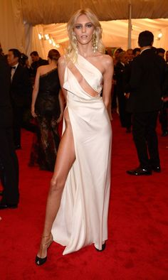 Anja Rubik caused quite a stir at the 2012 Met Costume Institute Gala in this provocative Anthony Vaccarello dress (and clearly got the Angelina's right leg memo). Anja Rubik, Gala Dresses, Red Carpet Dresses, Nice Dresses, Celebrity Outfits, Celebrity Style, Kendall, Meat Dress, Frida Gustavsson