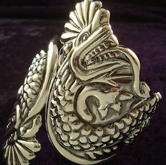 TAXCO MEXICAN STERLING SILVER VINTAGE DESIGN DRAGON CLAMPER BRACELET MEXICO