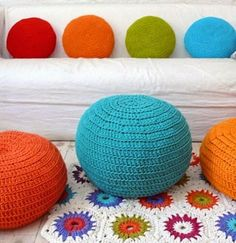 Brasil Tricô & Crochê - Handmade: Puff croche em barbante ou fio malha- trapilho Giant Floor Cushions, Wattpad Book Covers, Knit Art, Crochet Home, Book Cover Design, Diy And Crafts, Projects To Try, Stitch, Pillows